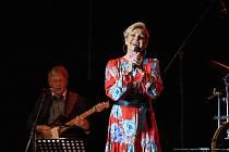 Helena Vondráčková odstartovala vystoupením vČeské Lípě obnovené koncertní turné Vzhůru k výškám.
