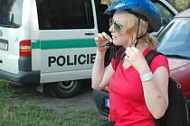 Čtvrteční kontroly na cyklostezce Varhany ukázaly, že rezervy v oblasti bezpečné jízdy mají hlavně dospělí cyklisté.