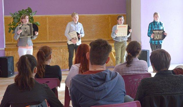 Okresní kolo soutěže mladých talentovaných recitátorů Wolkerův Prostějov hostil minulý čtvrtek Dům dětí a mládeže Libertin vČeské Lípě.