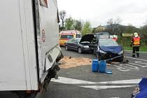 Hromadná nehoda na obchvatu u Nového Boru si vyžádala tři zraněné.