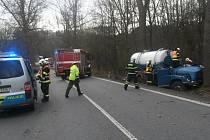 Tragickou nehodou, ke které došlo ve čtvrtek po poledni mezi Jestřebím a Dubou, dál vyšetřují českolipští policisté pro podezření z usmrcení z nedbalosti.