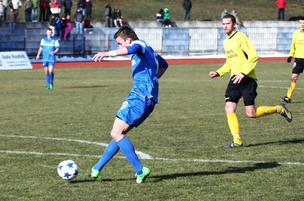 Česká Lípa (v modrém) - Domažlice 4:0.