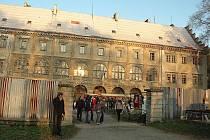 LISTOPAD. Svatomartinský jarmark na zámku v Horní Libchavě nabídl bohatý program pro všechny generace.