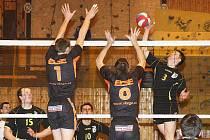 Prvoligovou sezonu zakončili volejbalisté České Lípy v Novém Boru. Od letošního ročníku už budou své domácí zápasy hrát v nové sportovní hale před českolipským publikem.
