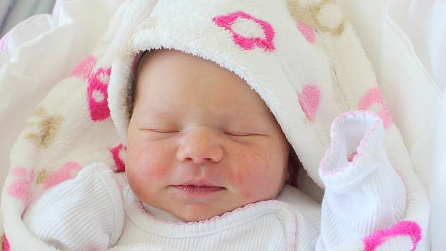 Rodičům Gabriele Hlaváčkové a Marku Suchanovi z Janovic se ve čtvrtek 23. května v 16:59 hodin narodila dcera Viktorie Suchanová. Měřila 47 cm a vážila 3,42 kg.