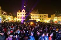 Loňské rozsvícení vánočního stromu na českolipském náměstí.