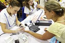 V rámci akce Dny zdraví si návštěvníci pojištění ve VZP mohou v době od 14 do 18 hodin bezplatně otestovat tělesnou kondici a své zdraví.