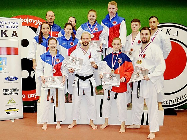 Dvanáctičlenná výprava členů českolipského klubu Sport Relax vybojovala celkem sedm medailí.