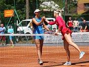 Závěr turnaje patřil finále dvouhry, ve kterém zvítězila Slovenka Anna Karolina Schmiedlová (vpravo), která po výměně trenéra bojuje o návrat na vrchol světového žebříčku.
