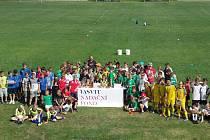Účastníci novoborského turnaje mladších žáků.