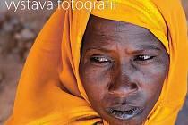 """Výstava fotografií Lenky Klicperové a Markéty Kutilové s názvem """"Úděl africké ženy"""" potrvá do konce dubna."""