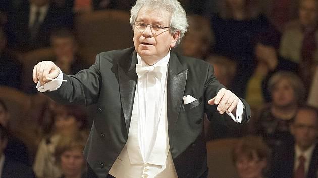 Jiří Bělohlávek, šéfdirigent České filharmonie.