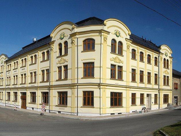 Bývalý hotel Sever ve Cvikově po rekonstrukci.