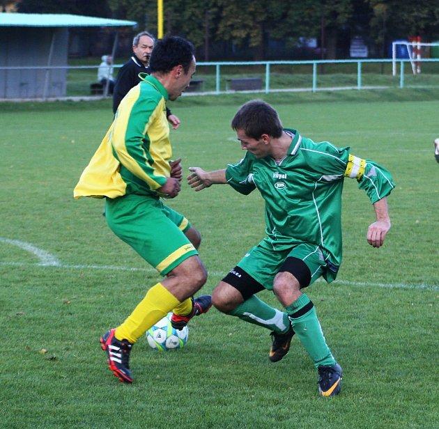 Vexhibici proměnila zápas na domácí půdě českolipská Lokomotiva, která vysoko porazila rezervu Kamenice.