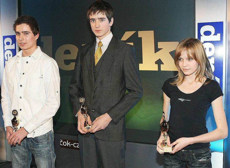 Deník ocenil nejúspěšnější sportovce uplynulého roku. Šesté, páté a čtvrté místo mezi mládeží - Petr Plechač, Kryštof Bogar a Petra Vojířová.
