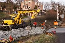 Díky opravě železničního přejezdu v Horní Polici se do Stružnice nedostaly kamiony.