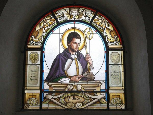 Kostel vMarkvarticích na Děčínsku měl být odstřelen. Místo toho vstává ztrosek, aktuálně to dokládají nová vitrážová okna, dílo Zdeňka Kudláčka zNového Boru.