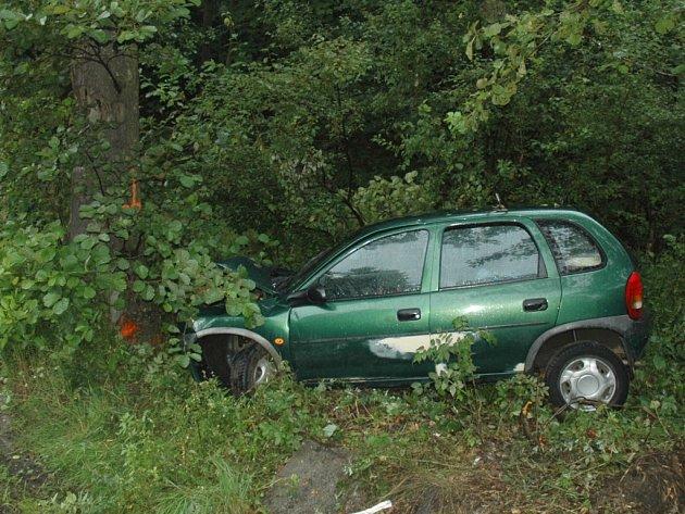 Vkopci na Prácheň se vážně zranil řidič osobního auta.