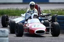 Veteráni budou závodit na čtvrtém Vintage Historic oldtimers & motosport a MOGUL Driving Sport v Sosnové.