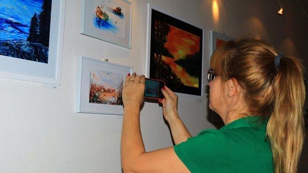 Novou výstavu snázvem Fantazie vnás připravil na podzimní dny Dům kultury Ralsko vMimoni.