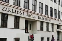 Ze své tradice škola, která se specializuje na výuku cizích jazyků, těží i dnes.