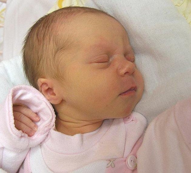 Mamince Petře Nejedlé z České Lípy se 10. března ve 12:01 hodin narodila dcera Laura Nejedlá. Měřila 49 cm a vážila 2,88 kg.