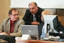 Velkému zájmu veřejnosti se těšilo 5. zasedání zastupitelstva Libereckého kraje, jejímž jedním z bodů bylo schválení optimalizace středních škol. Tento materiál po diskuzi zastupitelé nakonec stáhli.
