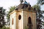 Kaple sv. Jana Nepomuckého ve Sloupu v Čechách.