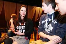 Malými i velkými hvězdami se to hemžilo na soutěži Mladý moderátor v českolipském KD Crystal.