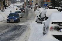 V Novém Boru i řadě dalších míst regionu napadlo ve středu několik desítek centimetrů sněhu.V Novém Boru i řadě dalších míst regionu napadlo ve středu několik desítek centimetrů sněhu.