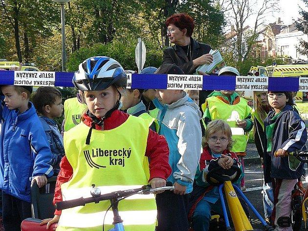 Přes pět set dětí navštívilo českolipské dopravní hřiště v rámci akce Den bez aut, který byl završením Evropského týdne mobility.