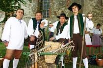 Oslava bohaté úrody a sklizně. To je tradiční slavnost Dožínek, které se konaly v sobotu 6. září v Brništi.