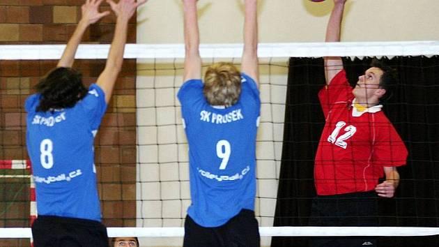 Mladí volejbalisté Loko Česká Lípa porazili Prosek Praha 3:0.