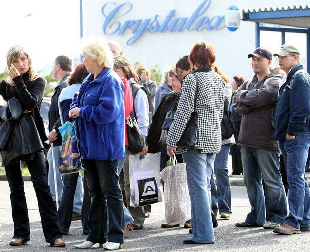 Bývalí zaměstnanci Crystalexu se své mzdy nedočkaji.