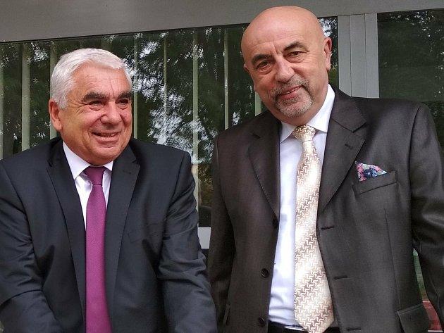 Vlevo senátor Jiří Vosecký (STAN+SLK) a jeho protivník vdruhém kole senátních voleb na Českolipsku Vít Vomáčka (ODS).