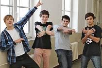 NEJLEPŠÍ ŠTÁB. Videoklip studentů z Nového Boru je možné najít na www.glassschool.cz