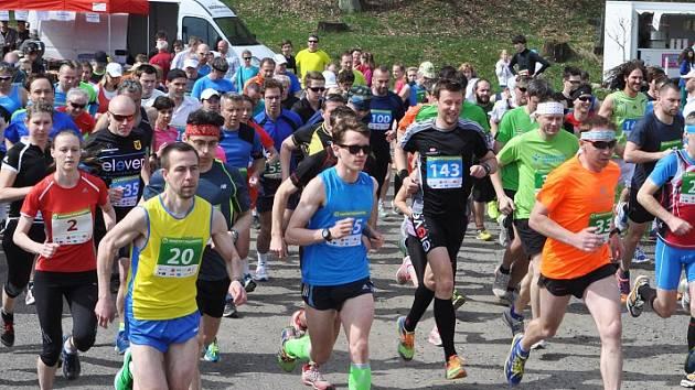 Loni se Brnišťský půlmaraton stal s bezmála 280 běžci největším závodem Okresní běžecké ligy.