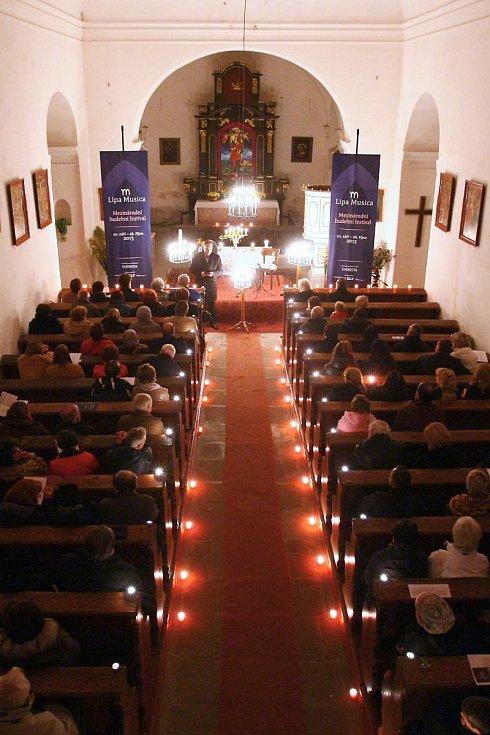 Zahrádky: kostel sv. Barbory.