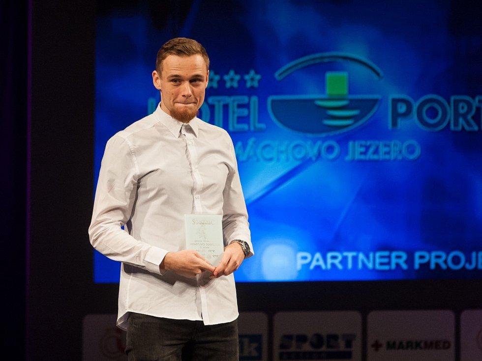 Třetí místo bral triatlonista Petr Ondřej.