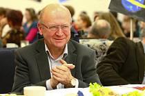 Soutěžící letos moderovali na téma vesmír, a proto mezi porotce zasedl také bývalý český astronaut Vladimír Remek a jednou z výher byl pozemek na Měsíci.