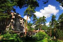 Miloš Forman miloval Máchovo jezero a díky rodinnému penzionu Rut ve Starých Splavech trávil hodně času.