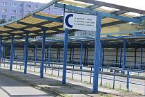 Parkovací místa vzniknou po zrušení nástupiště C a D na autobusovém nádraží ve Stráži pod Ralskem.