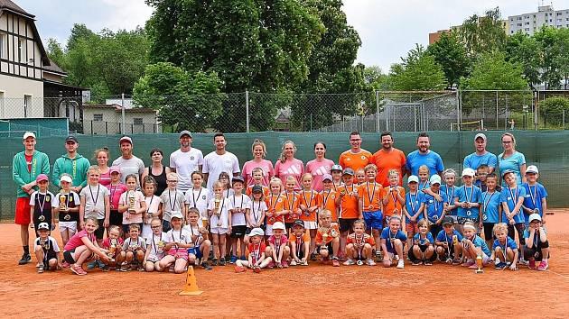 Malí tenisté SK Matchball Česká Lípa si v Rochlicích vybojovali postup do závěrečného boje o postup na republiku.