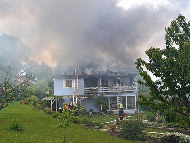 Rodinný dům vChotovicích hořel ve čtvrtek 17.května.