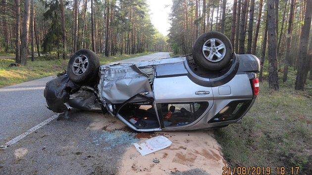 Opilý řidič v Doksech od jedné nehody ujel, pak sám havaroval