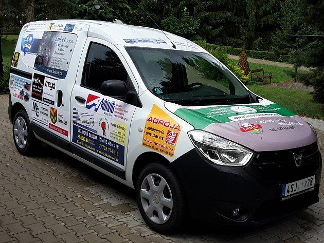 Zcela nový vůz značky Dacia Dokker nyní mohou využívat zaměstnanci Sociálních služeb města Mimoň.