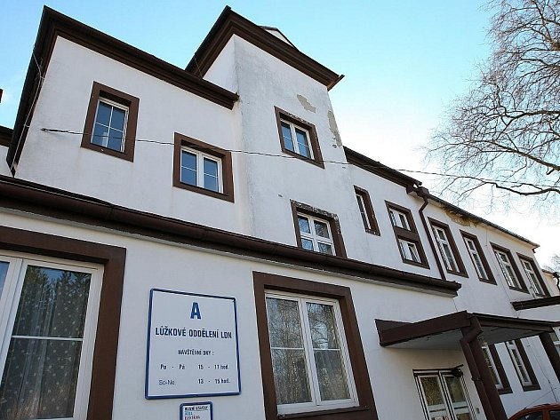 Budova bývalé léčebny dlouhodobě nemocných v Novém Boru.