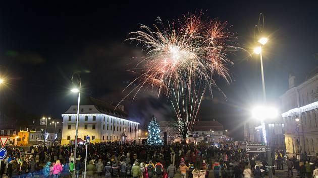 Novoroční ohňostroj v Novém Boru.