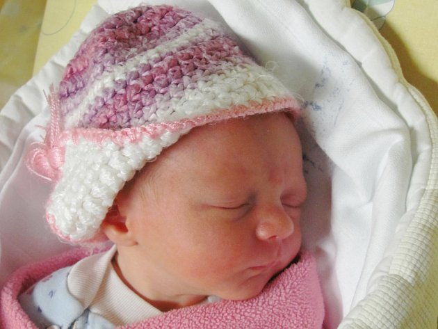 Rodičům Iloně a Petrovi Šmídovým ze Žandova se v pondělí 23. listopadu v 8:30 hodin narodila dcera Valérie Šmídová. Měřila 45 cm a vážila 2,5 kg.