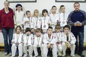 Mladí judisté z České Lípy byli pozváni na 16. ročník Velké ceny Antonína Tichého do Benešova u Prahy, kde startovalo na 300 mladých judistů.